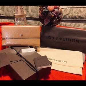Louis Vuitton Vernis Sarah Long Gold wallet
